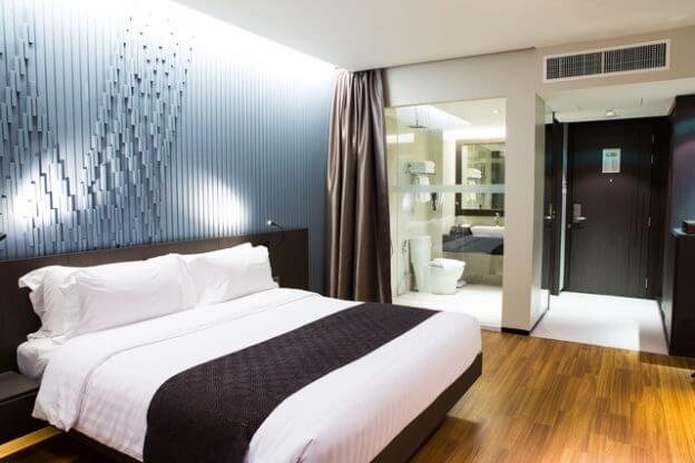foto de quarto com pisos vinílicos para motel